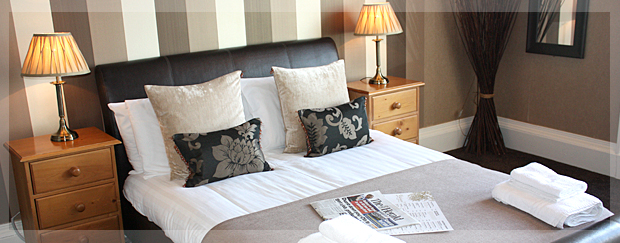 lauriston_hotel_bedroom_1