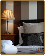 lauriston_hotel_bedroom